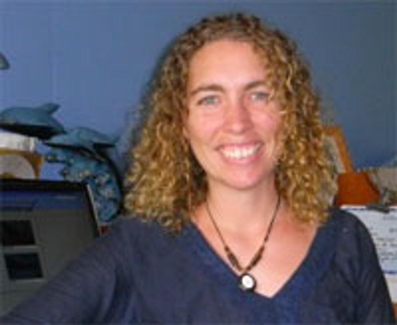 Dr Elizabeth Hawkins